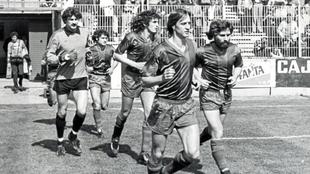 Johan Cruyff, con el Levante en Vallecas para medirse al Rayo...