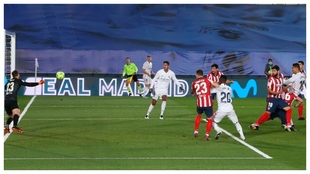 Casemiro scores a header against Atletico Madrid