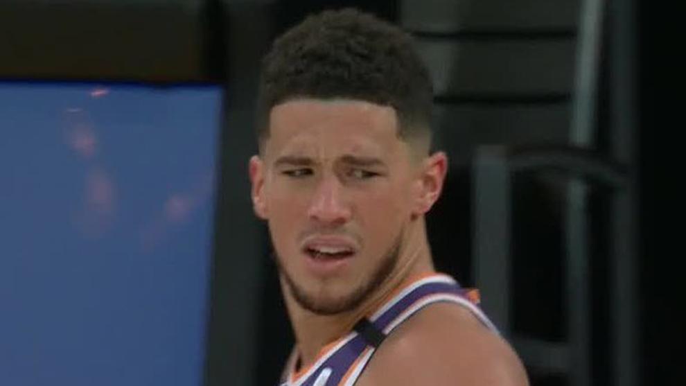 La cara de Devin Booker tras ser expulsado ante los Lakers