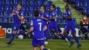 Arambarri celebra su gol al Valencia.