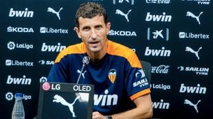 Javi Gracia, en rueda de prensa en la ciudad deportiva.
