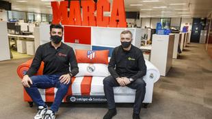 Miguel Torres y Milinko posan en la redacción de MARCA.