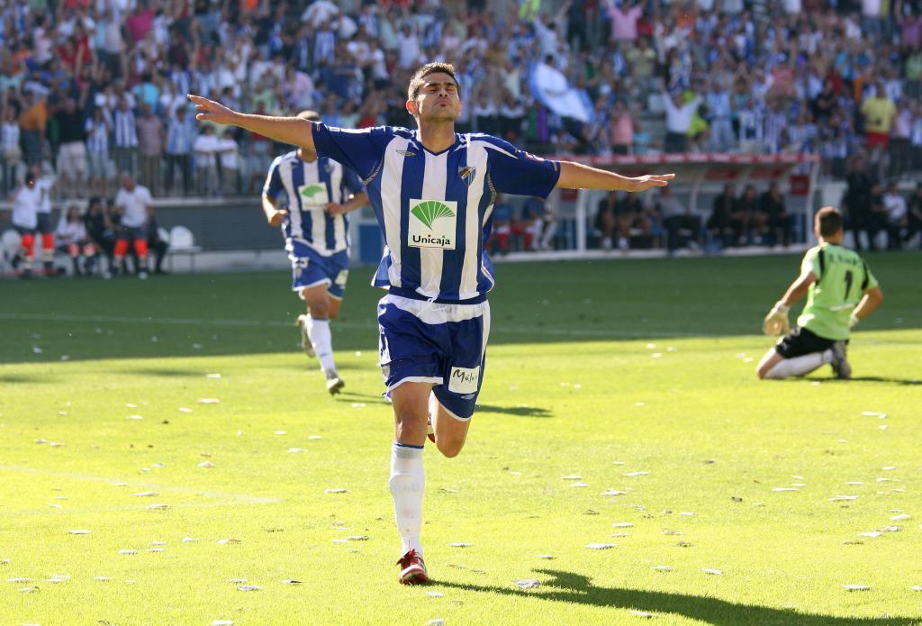 Antonio Hidalgo celebra un gol en el partido del ascenso del Málaga en 2008 /