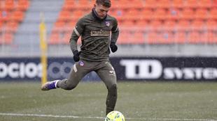 Trippier durante un entrenamiento del Atlético.