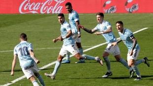 Los jugadores del Celta celebran un gol ante el Huesca el pasado...