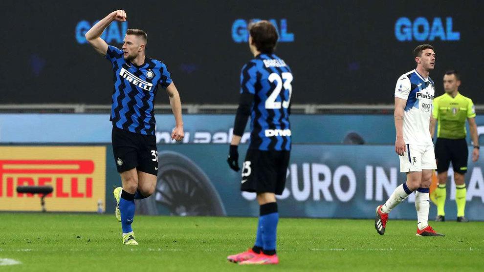 La Atalanta lleva al límite al Inter, pero paga la ley del líder