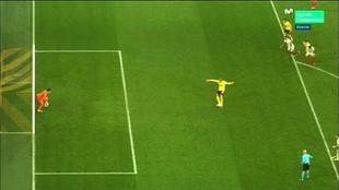 La locura del VAR en Dortmund: un gol que no es, un penalti con repetición...