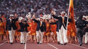 Desfile del equipo de España en la ceremonia inaugural de los Juegos...