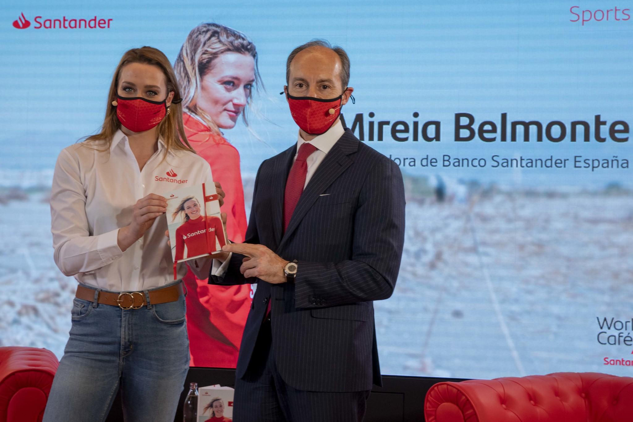 Mireia, con el  consejero delegado de Santander España, Rami Aboukhair.