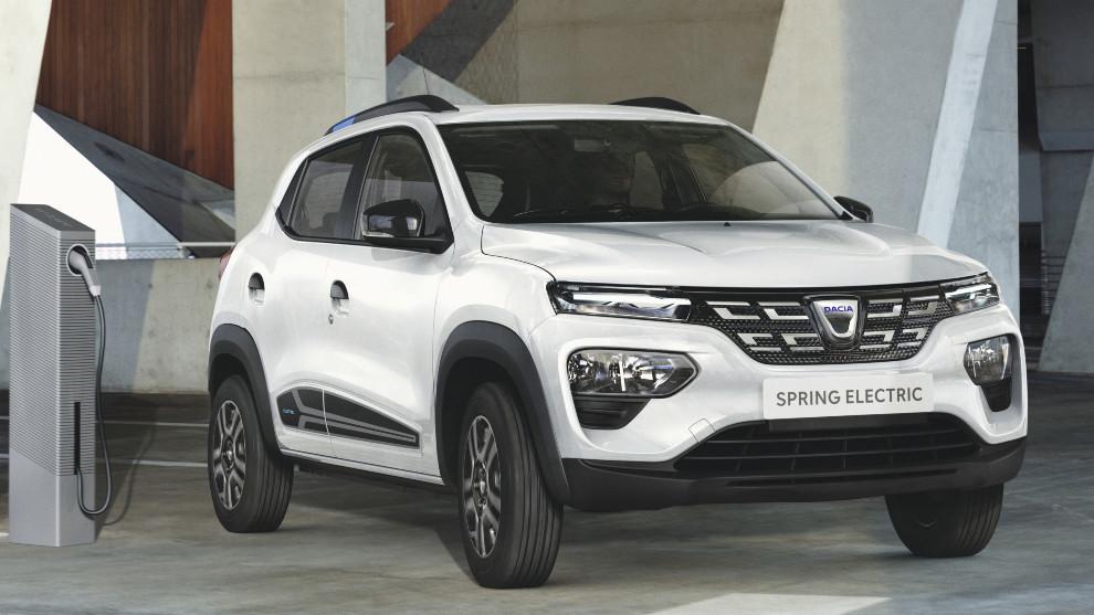 El Dacia Spring ofrece dos colores de carrocería: blanco o gris claro.