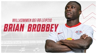 Brian Brobbey, presentado como nuevo jugador del RB Leipzig.
