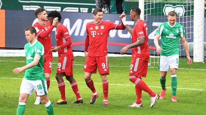 El Bayern no falla en Bremen (1-3), el Leipzig se estrella con el Eintracht (1-1)