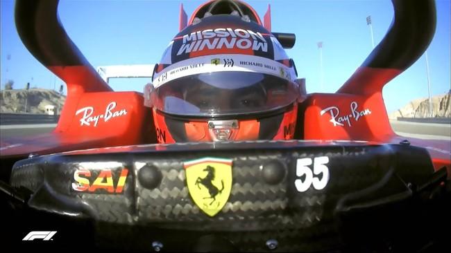 Carlos Sainz, pilotando el Ferrari SF21 en Bahréin.