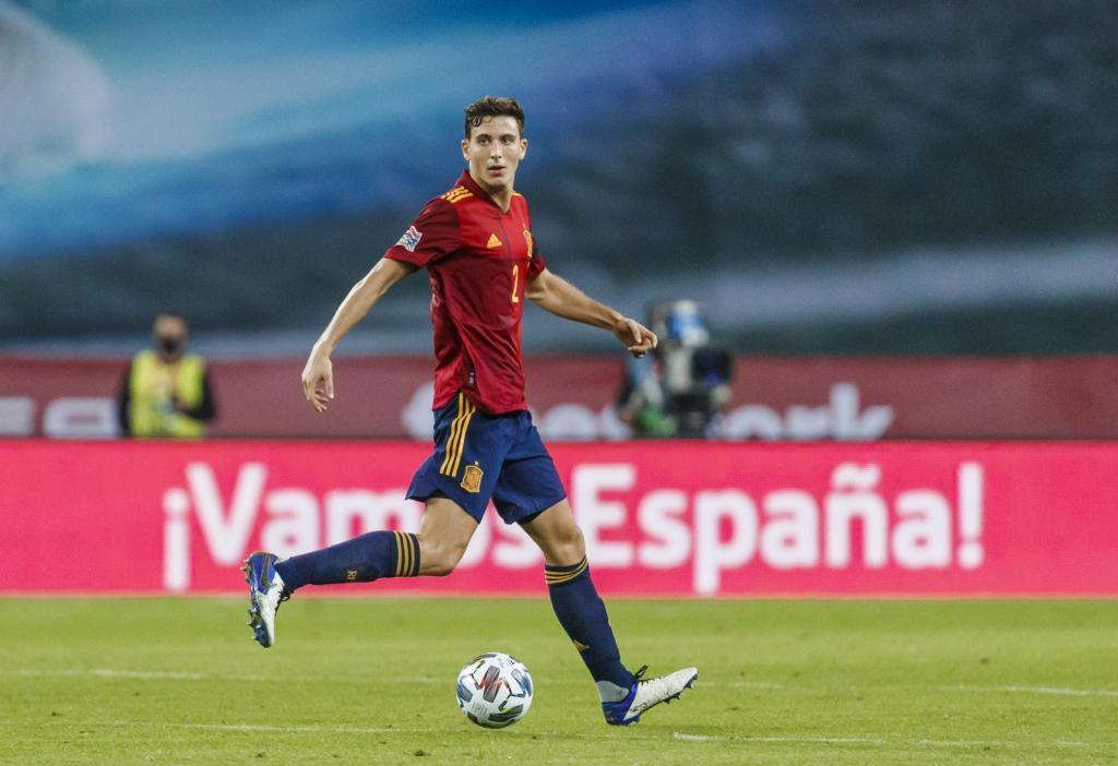 Pau Torres, con España.