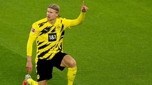 Haaland celebra uno de los goles que ha marcado con el Borussia...