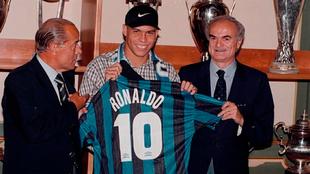 Ronaldo, el día de su presentación como jugador del Inter de Milán