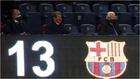Joan Laporta, en el palco, antes del partido que enfrentó a Barça y...