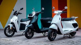 A la izquierda, el Taiga. En el centro y la derecha, los scooter...