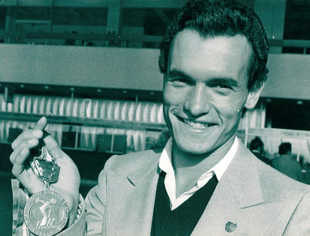 Jordi Llopart, con la medalla de oro ganada en Praga