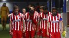 Los jugadores del Atlético en el túnel de vestuarios.