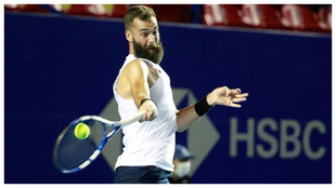 Benoit Paire durante su partido frente a Stefanos Tsitsipas en el...