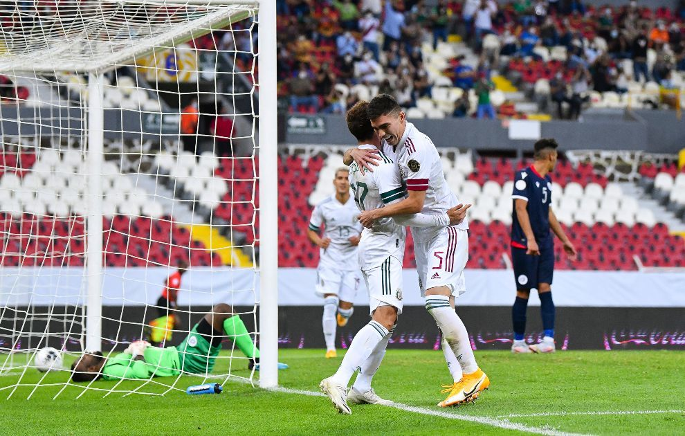 México sub 23 celebrando un gol ante República Dominicana en el Preolímpic.