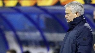 Los problemas del Tottenham para despedir a Mourinho: 40 millones