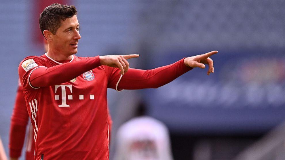 Lewandowski, tras uno de sus goles.
