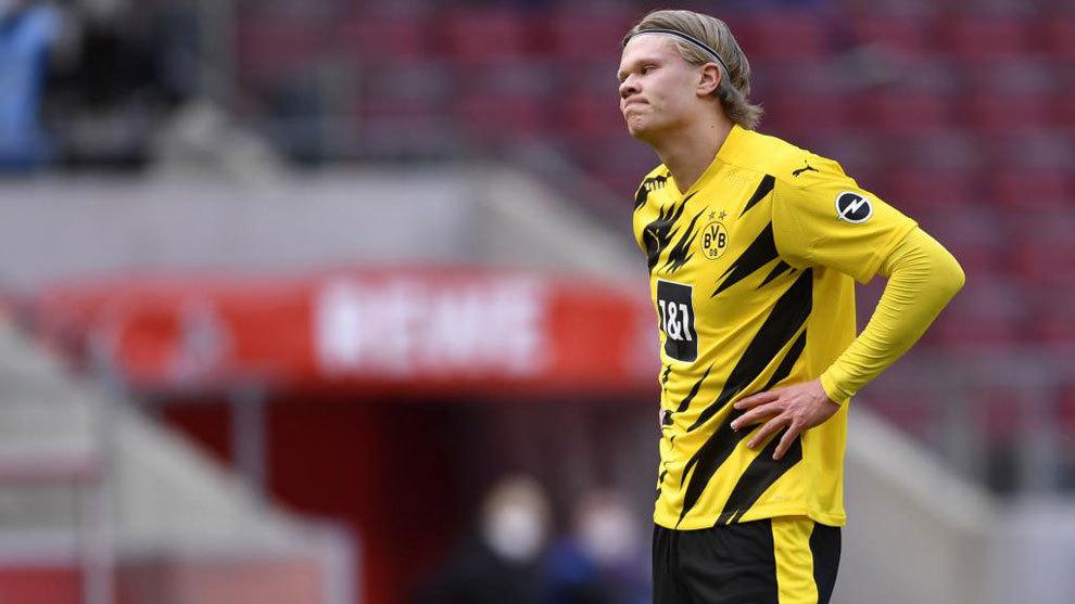 Haaland se lamenta durante el Colonia-Dortmund.
