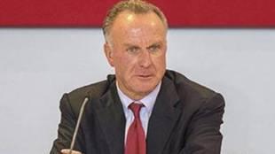 Karl-Heinz Rummenigge, presidente del Bayern Múnich, en una rueda de...