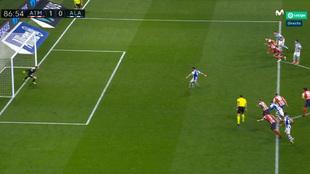 ¿Se debió repetir el penalti parado por Oblak? La imagen que aviva la polémica
