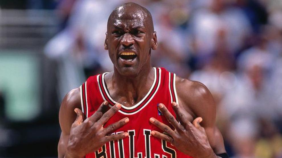 Michael Jordan en un partido con los Chicago Bulls