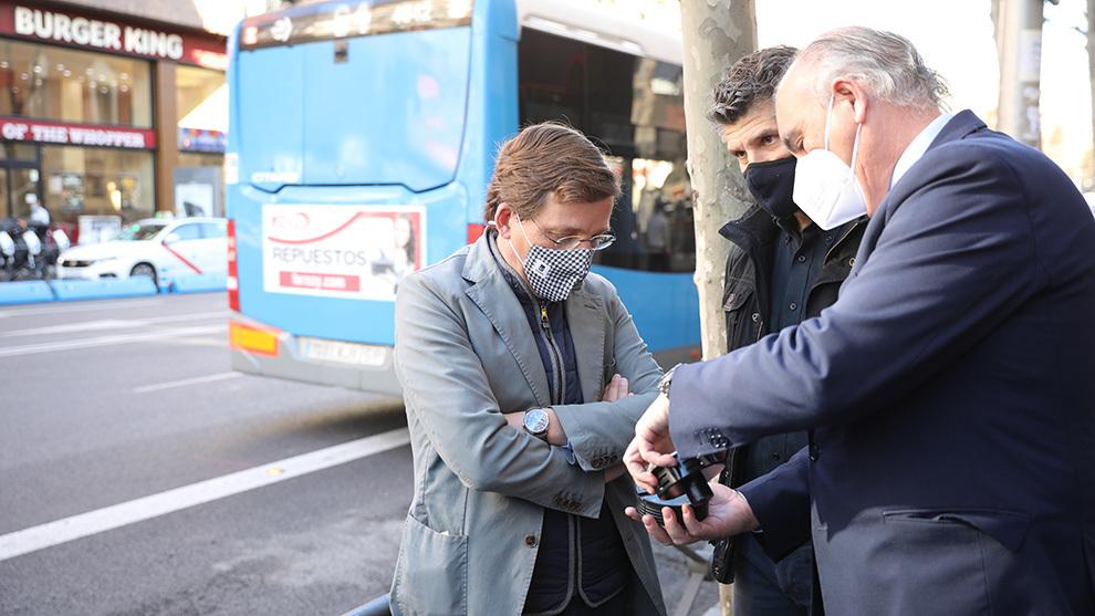 Aletas de tiburón carril bus Madrid