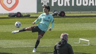 Joao Félix se ejercita con Portugal esta semana.