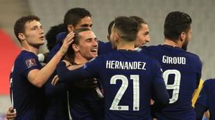 Griezmann, sonriente, tras marcar con Francia.