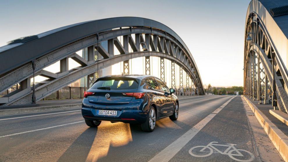Opel Astra 1.5D 122 CV