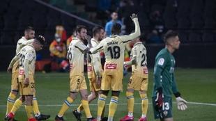 Los jugadores del Espanyol celebran uno de sus goles
