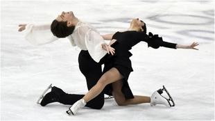 Sara Hurtado y Kirill Jalyavin, durante el ejercicio libre del...