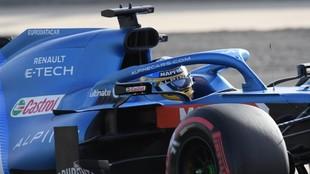 Fernando Alonso, durante los Libres en Bahréin.
