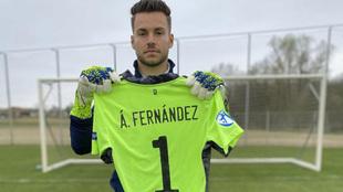 Álvaro posa para MARCA en la concentración de la selección sub 21.
