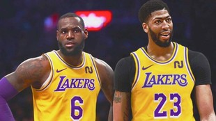 LeBon James y Anthony Davis, serios en un partido de los Lakers.