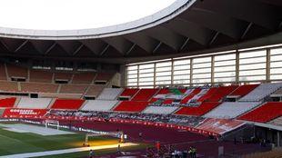 Vista del Fondo Sur del estadio de La Cartuja, asignado al Athletic y,...