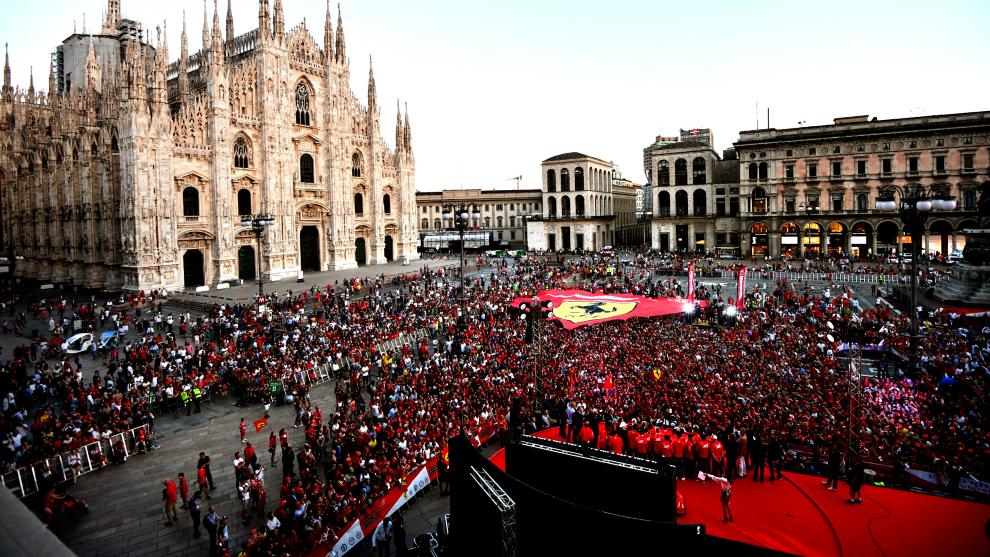 Los 'tifosi', en un acto de Ferrari.