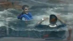 Calafat y Sáchez, en el agua tras ganar la final