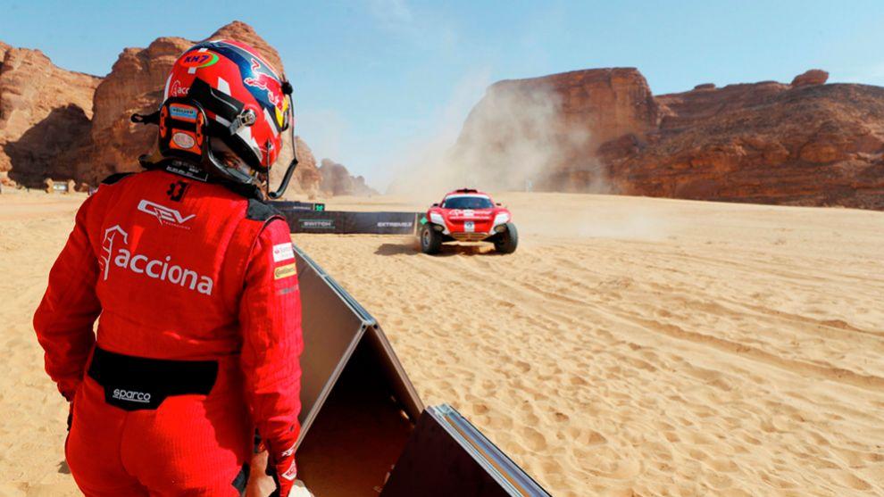 Carlos Sainz y Laia Sanz en el Desert X Prix del Extreme E