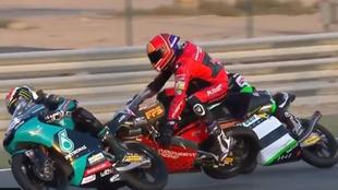 Momento en el que Jeremy Alcoba pierde el control de su moto.