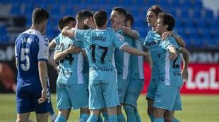 Los jugadores del Leganés celebran uno de sus dos goles al Sabadell