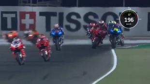 Miller echa de la pista a Mir en la recta de Losail.