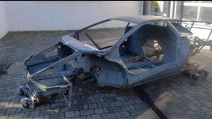 El chasis, al parecer, está intacto al no haber sufrido ningún...