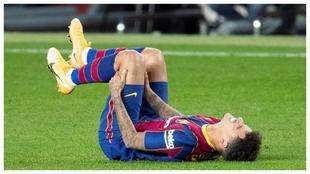 Coutinho se duele de una lesión